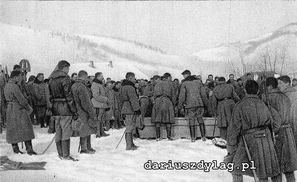 Pogrzeb por. Stanisława Strzeleckiego, 23 I 1915 r., pod kośc. rzym.-kat. pw. św. Ludwika w Kirlibabie.