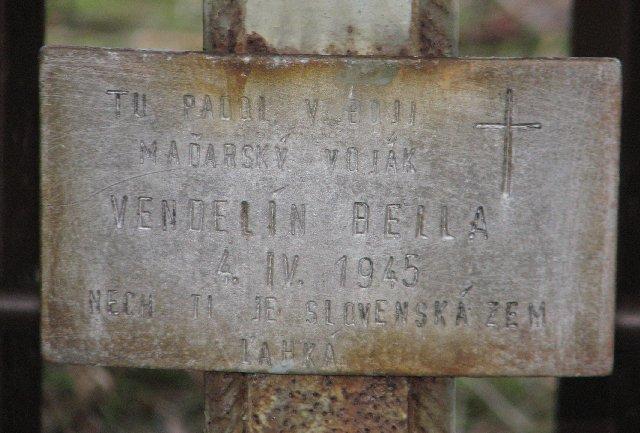 Oryginalna tabliczka z nagrobka węgierskiego żołnierza, który bronił zajętego dzień później przez Armię Czerwoną Dolnego Kubina